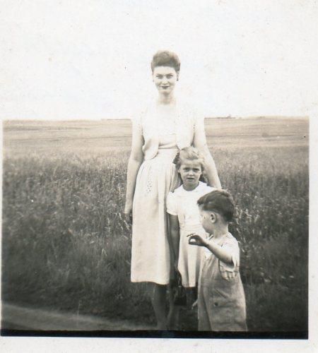 Mom, BigSis, & BigBro