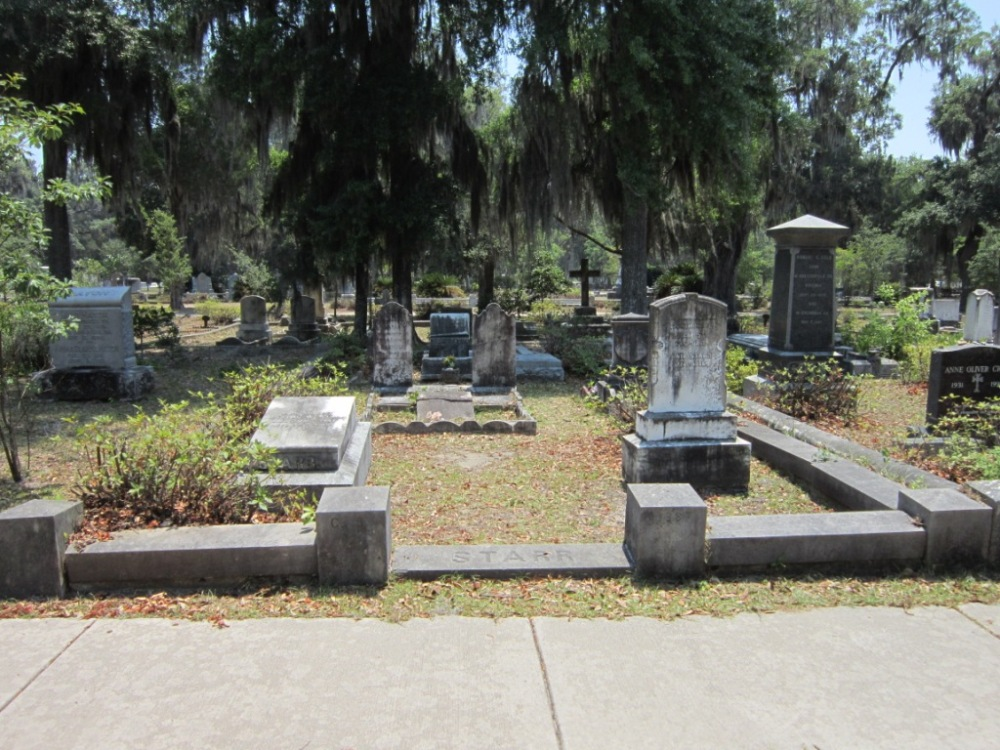 The Starr Family Plot in Bonaventure Cemetery, Savannah, GA (1/6)