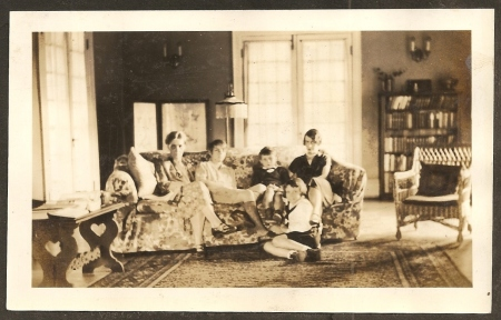 "Mary ""Leslie"" Basinger Lawton, her daughter Mary Genevieve ""Genette"" Lawton, her grandson Billy Garrard, her daughter Margaret Lawton Garrard, and her granddaughter Mary Garrard."